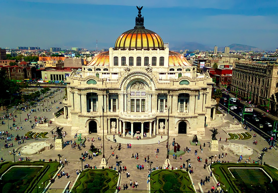 Fly nonstop to Mexico in BUSINESS CLASS from only € 1,227 (round-trip) 1